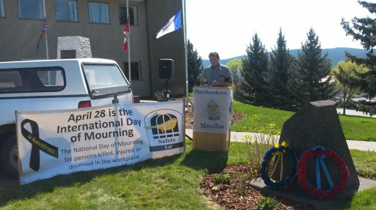 Art Prevost, Financial Secretary for United Steelworkers Local 1-425 leads a National Day of Mourning ceremony in Williams Lake.